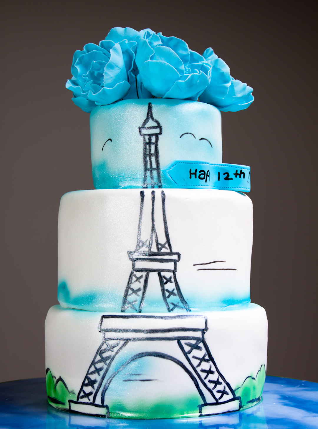 Cake Images With Chocolate Eiffel Tower On Top