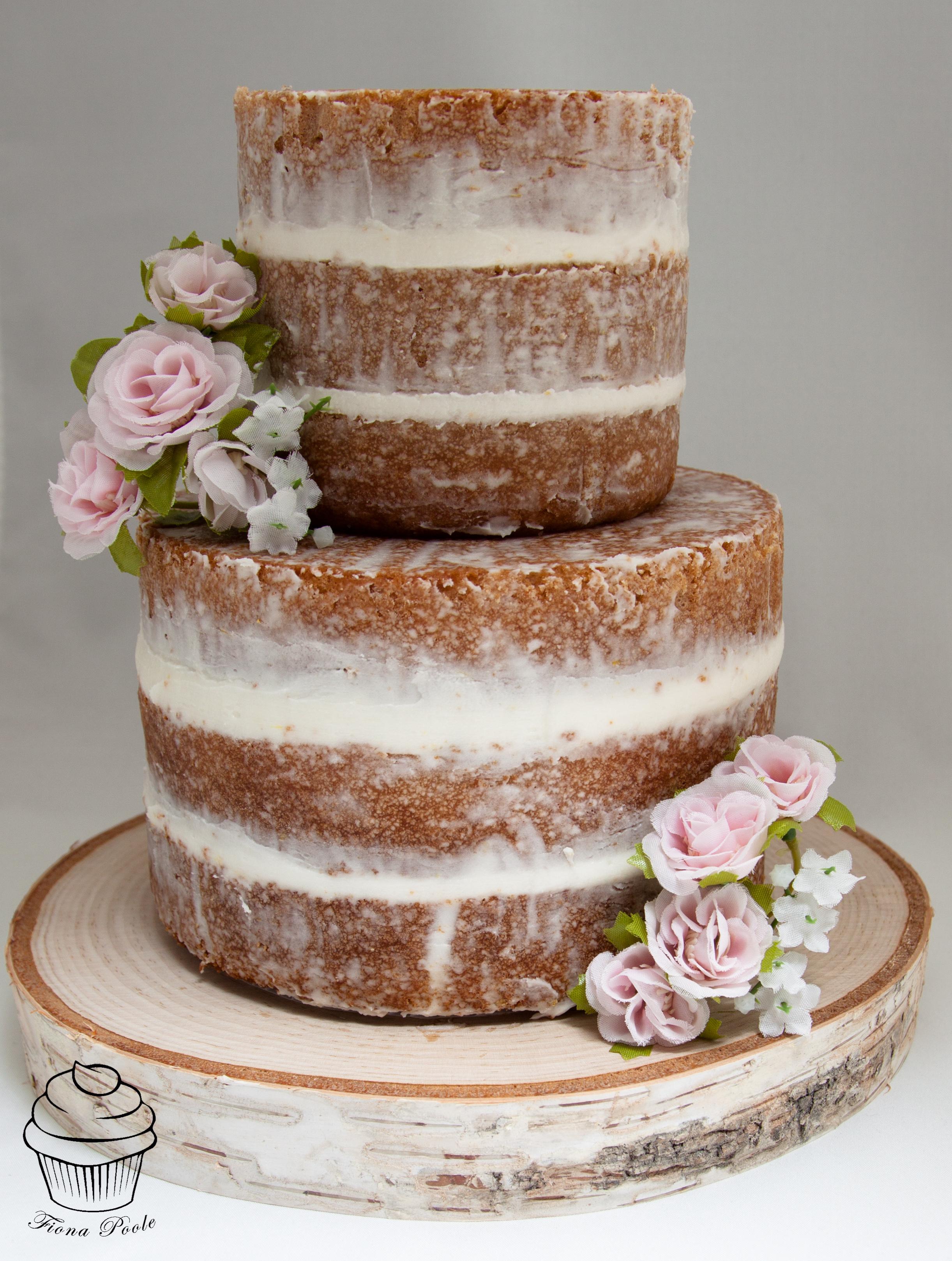 Naked Cake 👀 Scrumdiddlyumptious